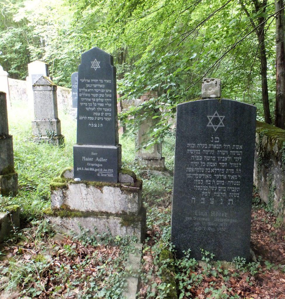 Auf dem Laudenbacher Friedhof